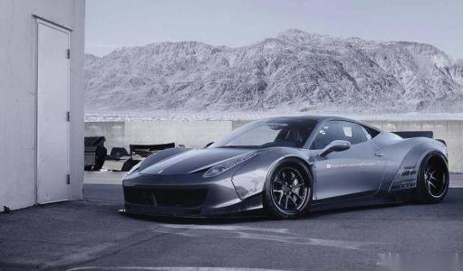 品味阿斯顿马丁的魅力 感受超级跑车的惊险体验